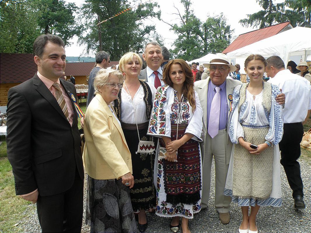 """Tărgul Ceramicii Populare Românești ,,COCOȘUL DE HUREZ"""", ediția XLIV, 6-8 iunie 2014"""