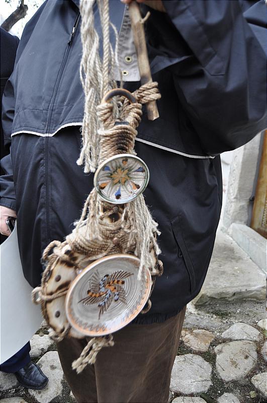 Premiile naţionale anuale ale Fundaţiei ,,Nişte ţărani'', 26.10.2014, ornament cu ceramică de Horezu
