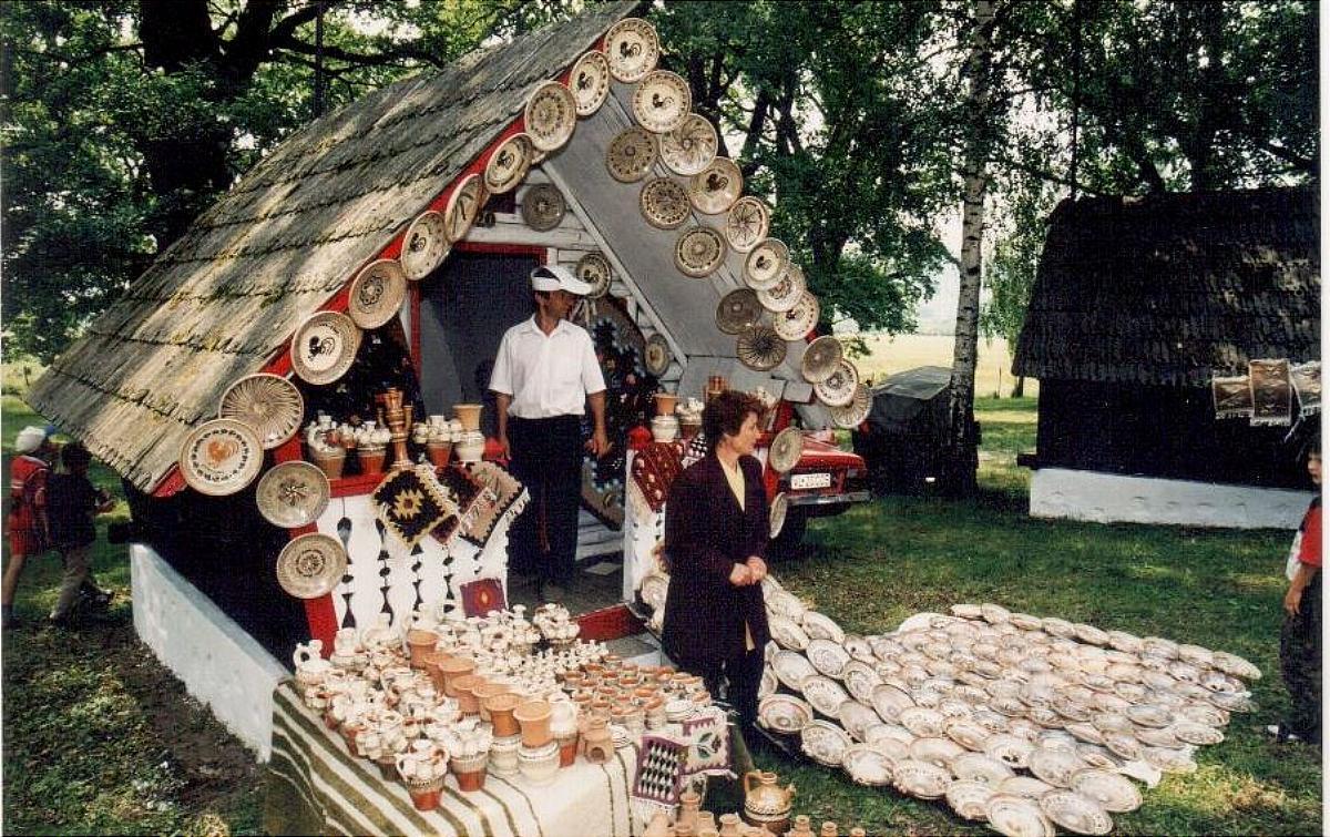"""Tărgul Ceramicii Populare Românești ,,COCOȘUL DE HUREZ"""", exponante ceramice"""