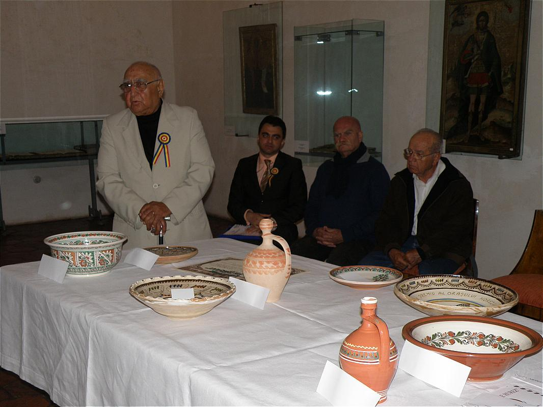 """Tărgul Ceramicii Populare Românești ,,COCOȘUL DE HUREZ"""", ediția XLIII, 31 mai – 2 iunie 2013"""