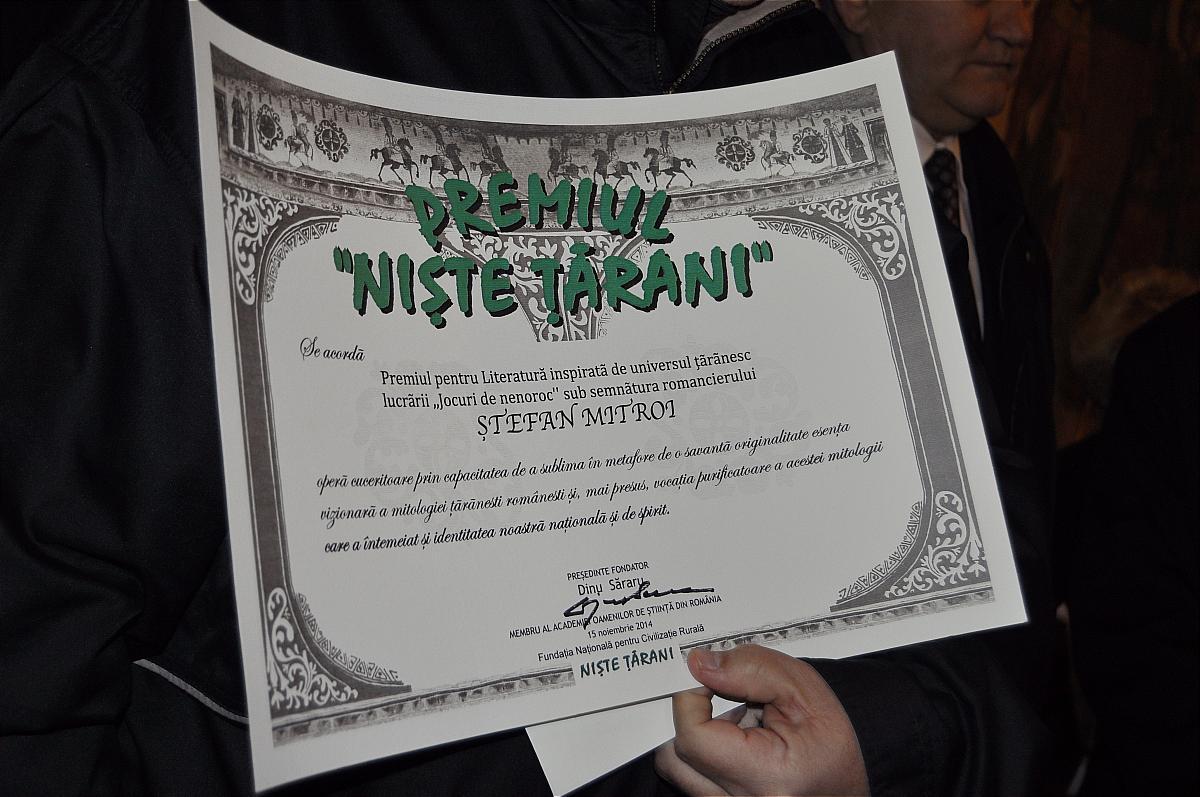 Premiile naţionale anuale ale Fundaţiei ,,Nişte ţărani'', 26.10.2014, diploma romancierului Ştefan Mitroi