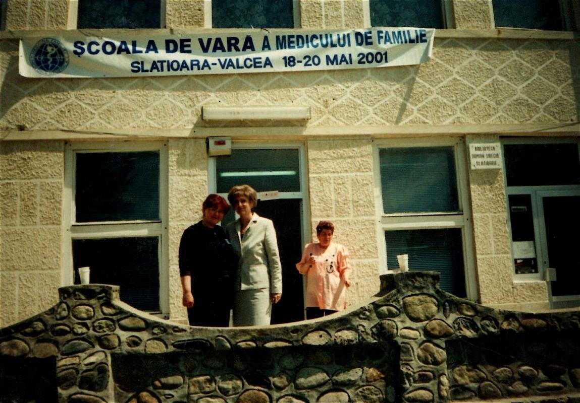 Școala de vară a cursurilor post-universitare pentru medicii de familie, 18-20 mai 2001, Casa de Cultură Țărănească, comuna Slătioara, județul Vâlcea, dr.Cristiana Bărăgănescu, Elena Văduva – referent al fundației