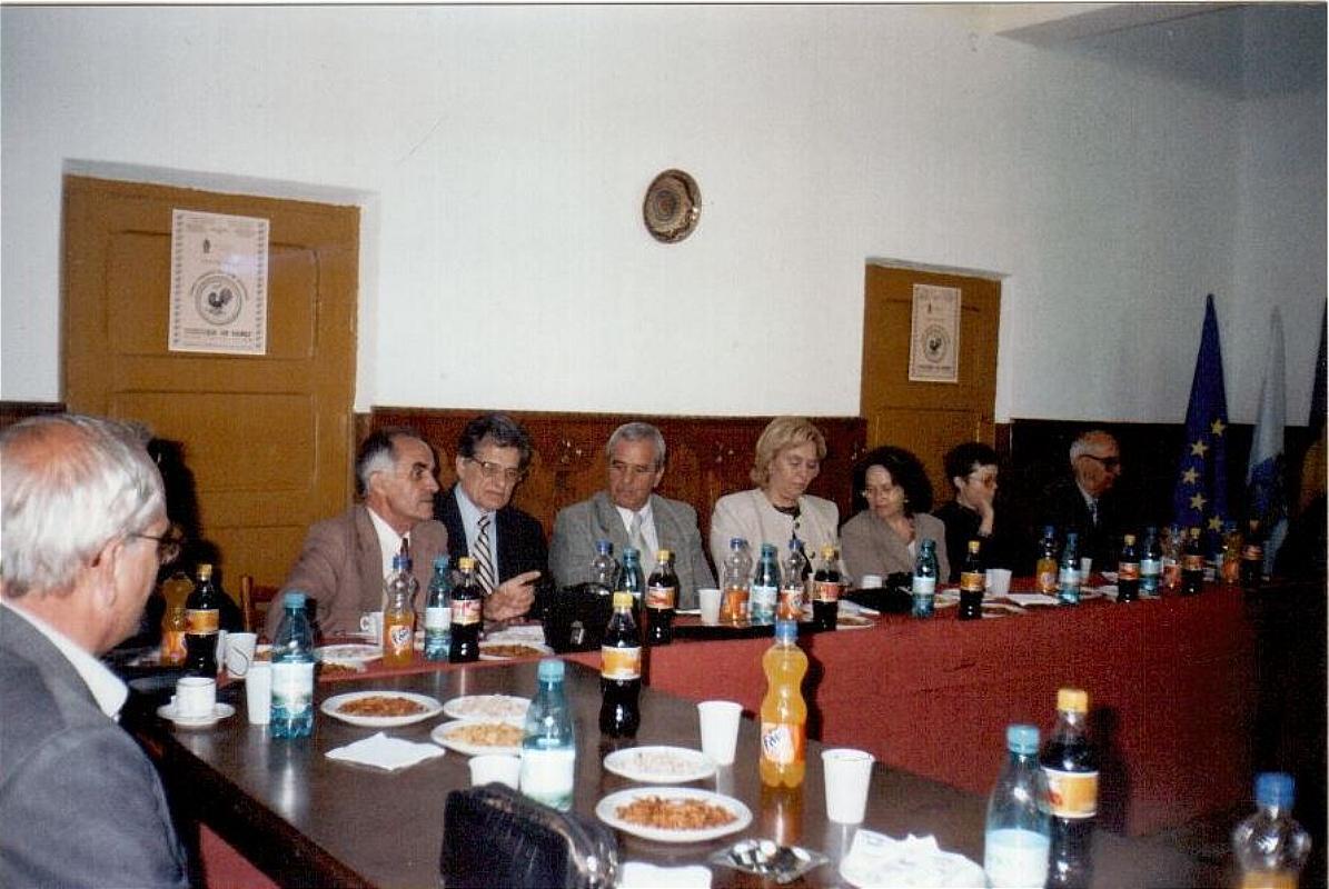 """Tărgul Ceramicii Populare Românești ,,COCOȘUL DE HUREZ"""", ediția XXXIII, 31 mai – 01 iunie 2003"""