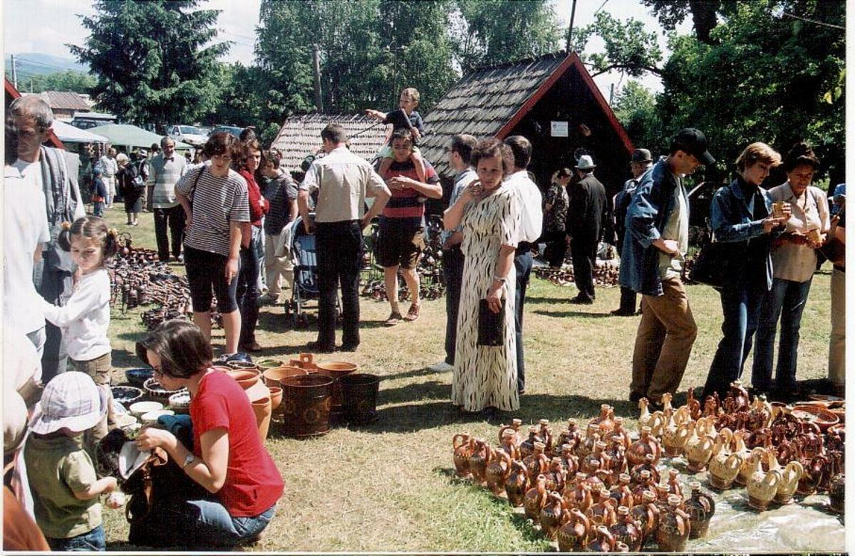 """Tărgul Ceramicii Populare Românești ,,COCOȘUL DE HUREZ"""", ediția XXXV, 10-12 iunie 2005"""