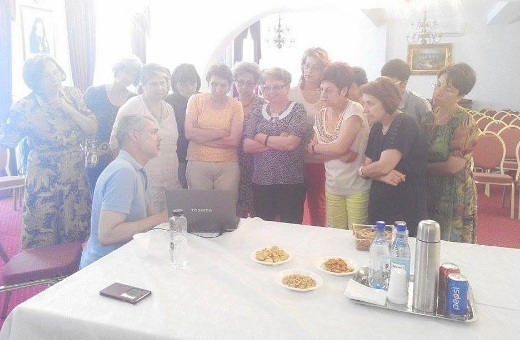 Școala de vară a cursurilor post-universitare pentru medicii de familie din mediul rural , 12 iulie 2015, Arhiepiscopia Râmnicului, discuții și explicații libere - lector conf.dr. Mihai Craiu - PEDIATRIE
