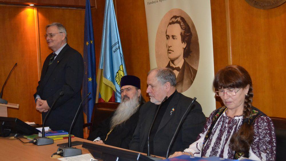 Adrian Badea – președinte A.O.Ș.R, IPS Teodosie – Arhiepiscopul Tomisului, Mircea Chelaru – general, Angelica Stănciuloiu – președinte Fundației M.Eminescu
